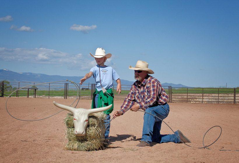 Ce voyage en famille dans un ranch vous fera à vivre à l'heure des cowboys de l'Ouest !
